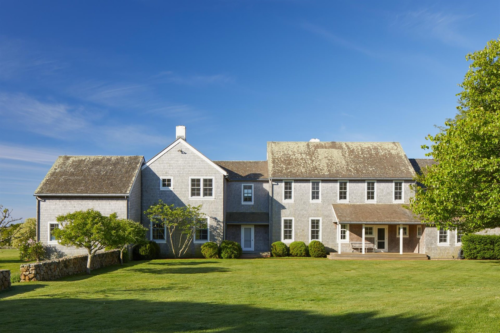 La casa è disposta su due piani / christiesrealestate.com
